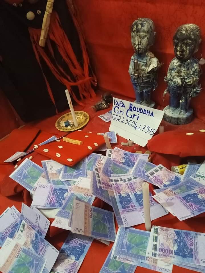 Bedou magique appelé en français portefeuille magique ou porte monnaie magique